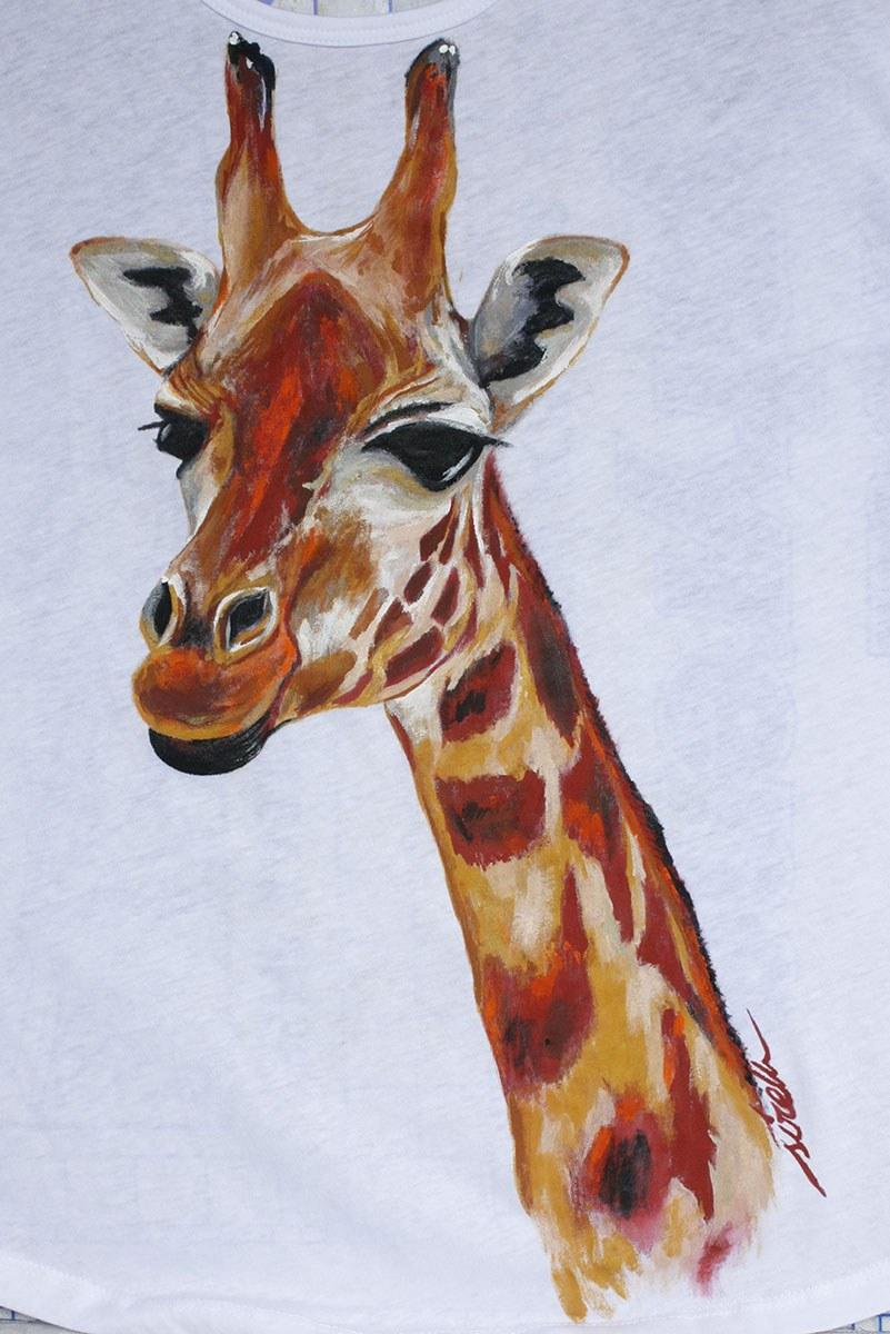camiseta pintada a mano_jirafa