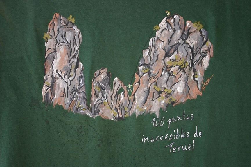 100 puntas inaccesibles de Teruel_camiseta pintada a mano_sirem